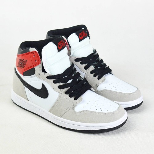 Air Jordan 1 High Retro Smoke Grey
